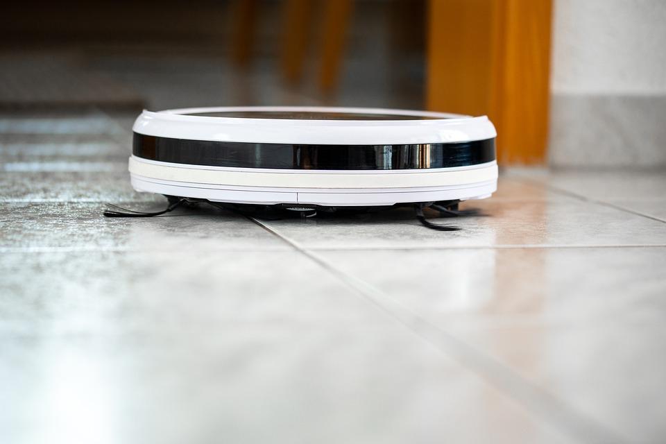 Med en robotstøvsuger kan du klare støvsugningen via nettet